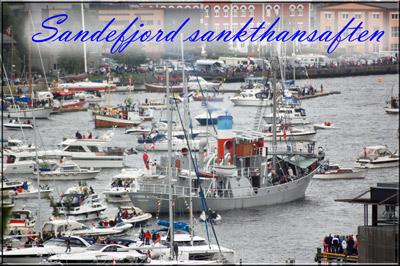 Flott å se hundrevis av båter fra Preståstoppen på sankthansaften. En flott tradisjon Sandefjord har.