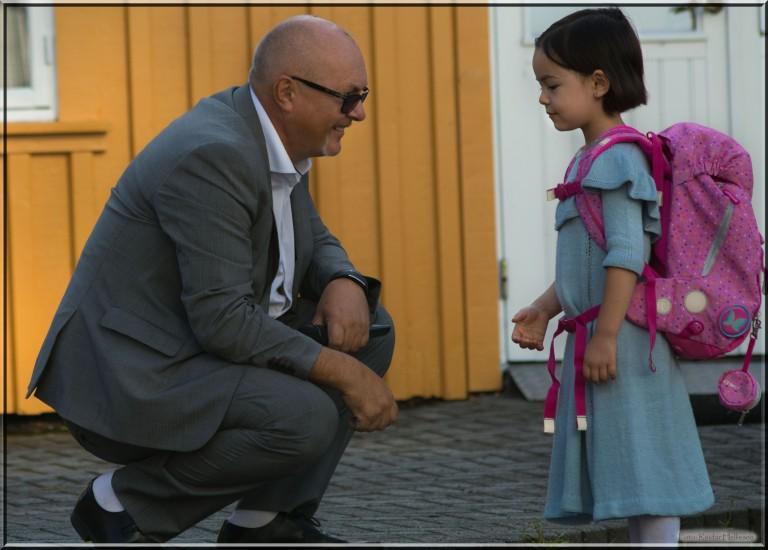 Lykke-Merlot gledet seg til første skoledag. Pappa hadde nok flere sommerfugler i maven enn sin håpefulle.:-)