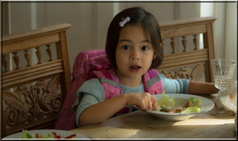 En sunn start på dagen må man ha. Lykke-Merlot har lært at sunn mat og da spesielt salat gjør både hjerte og kropp i toppform til å håndtere dagen.