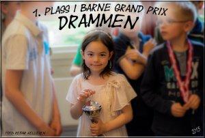 Lykke-Merlot koste seg på Barne Grand Prix i Drammen. Pappa syntes hun spilte veldig bra. En første plass ble det med seks av seks seire.