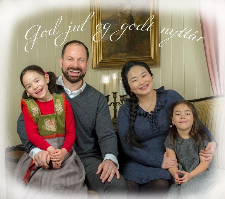 Så var julen her igjen. Vi er heldige i år som får samlet fire av våre jenter og svigerforeldre til en ekte julefeiring i Sandefjord.